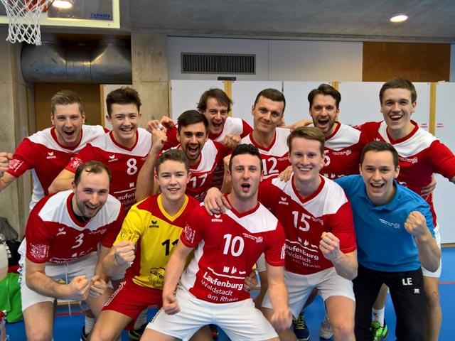 Strahlende Gesichter nach dem 3:0-Sieg gegen Lutry-Lavaux. Foto: zVg