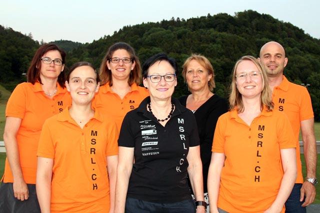 Von links: Monika Van Diest, Ramona Marbot, Bettina Huber, Elisabeth Keller, Vreny Schmid, Julia Weiss, Roger Hug. Es fehlen: Sandra Hauri und Carolijne Kleissen. Foto: zVg