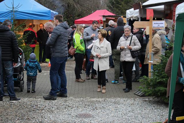 Weihnachtsmarkt Laufenburg.Fricktal Info Gut Besuchter Weihnachtsmarkt In Obersulz