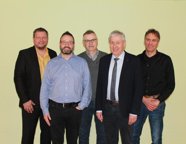 Die Vertreter der vier BEEH-Gemeinden mit dem Projektberater